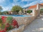 Luxusná kamenná vila na ostrove Brač ponúka dovolenku na celý život!