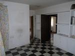 Rekonštrukcia premenila starý španielsky dom na moderné bývanie pre mladú rodinu. Vydarené!