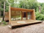 Víkendový dom z Kanady dokazuje, že drevo do hory sa nosiť oplatí