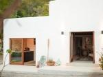 Staručký španielsky dom bol dlhé roky opustený. Pozrite čo z neho dokázali vyčarovať!