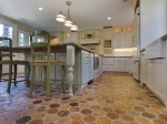 Farmársky dom v Kalifornii skrýva netradičnú podlahu!