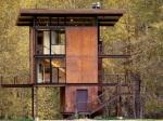 Neobvyklá chata v horách je bezpečná a praktická