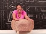 Vyrobte si originálnu taburetku zo starej pneumatiky. Táto žena vám ukáže, ako na to!
