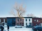Nenápadný dom na zadnom dvore ukrýva moderné prekvapko