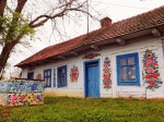 Malebná poľská dedinka ukrýva domčeky, aké nenájdete nikde na svete